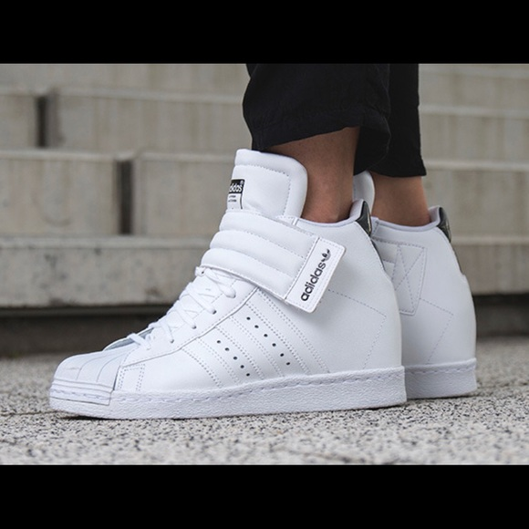new style 8b6e2 44ce5 Adidas Superstar Up Strap
